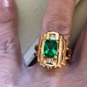 Jewelry - Art Deco emerald color and clear crystal ring